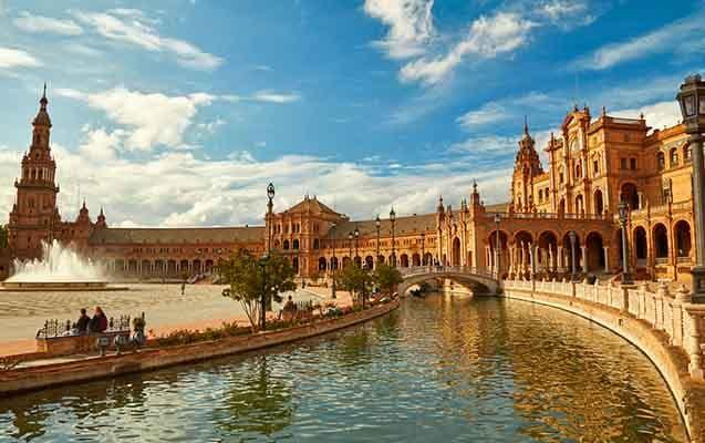 İspanya'da Üniversite Okumak. İspanya Üniversite Fiyatları